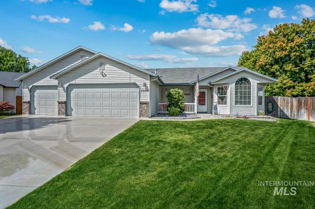 2260 N Baywing Hawk Place, Kuna, ID 83634 (MLS #98777089) :: Silvercreek Realty Group