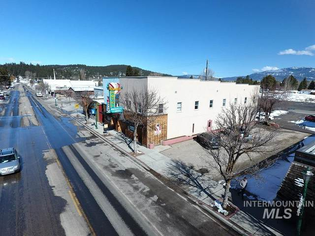 112 N Main Street, Cascade, ID 83611 (MLS #98777192) :: Own Boise Real Estate