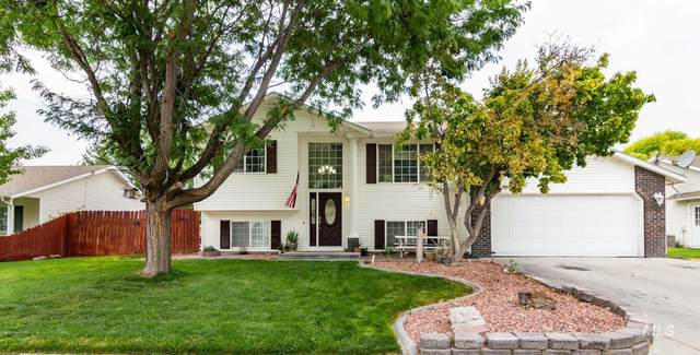 1807 N Eagle View St, Nampa, ID 83651 (MLS #98778016) :: City of Trees Real Estate