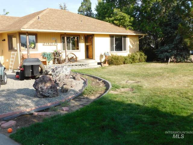 2613 NE Vista Way, Mountain Home, ID 83647 (MLS #98778248) :: Michael Ryan Real Estate