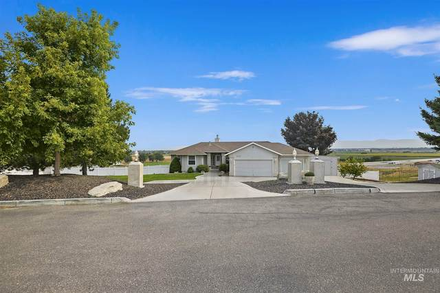 4722 W Vaquero Ln, Meridian, ID 83642 (MLS #98779067) :: Build Idaho