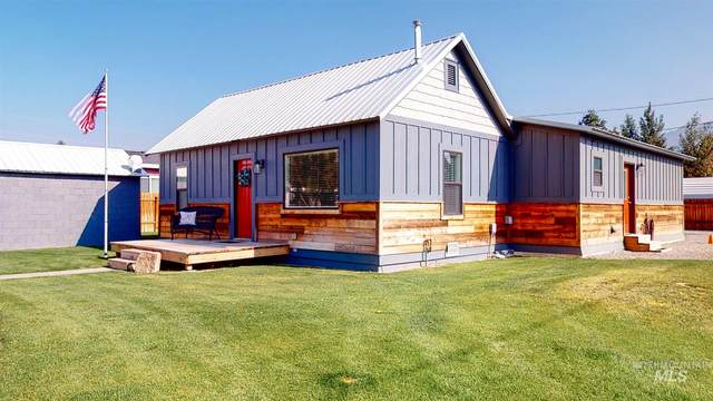 608 College St W, Mackay, ID 83251 (MLS #98779339) :: Jon Gosche Real Estate, LLC