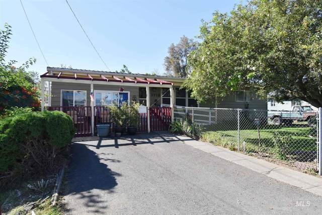 3718 10th Street E, Lewiston, ID 83501 (MLS #98779501) :: Navigate Real Estate