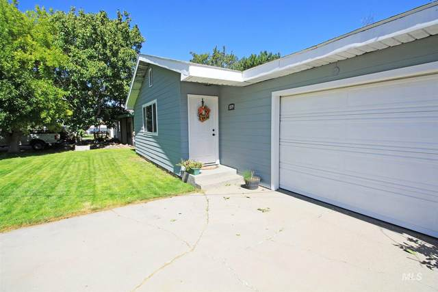 1079 Adell Ave. South, Filer, ID 83301 (MLS #98780425) :: Boise Home Pros