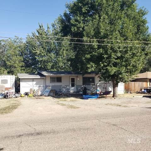 1324 N Bonneville, Nampa, ID 83651 (MLS #98780445) :: Boise Valley Real Estate