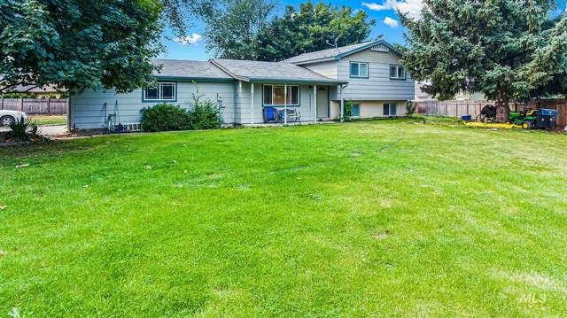 2835 N Meridian Rd, Meridian, ID 83646 (MLS #98781164) :: Idaho Real Estate Pros