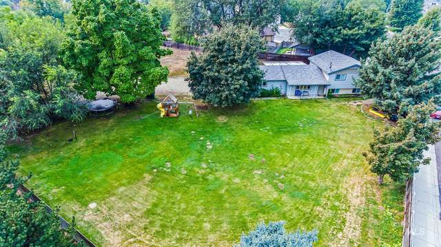 2835 N N Meridian Rd, Meridian, ID 83646 (MLS #98781167) :: Boise Valley Real Estate