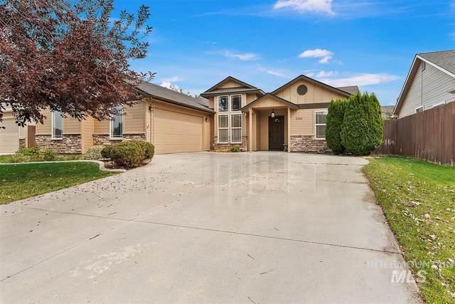 2244 N Cougar Way, Meridian, ID 83646 (MLS #98781182) :: Team One Group Real Estate