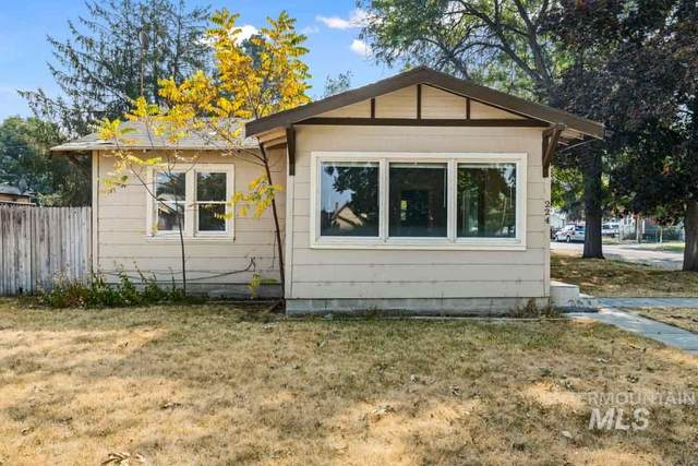 224 18TH AVE S, Nampa, ID 83651 (MLS #98781243) :: City of Trees Real Estate