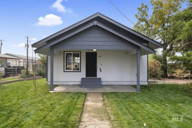 315 N Boise Ave, Emmett, ID 83617 (MLS #98781537) :: Story Real Estate