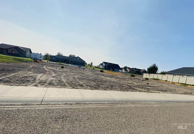 1545 Garnet Dr., Gooding, ID 83330 (MLS #98781583) :: Jon Gosche Real Estate, LLC