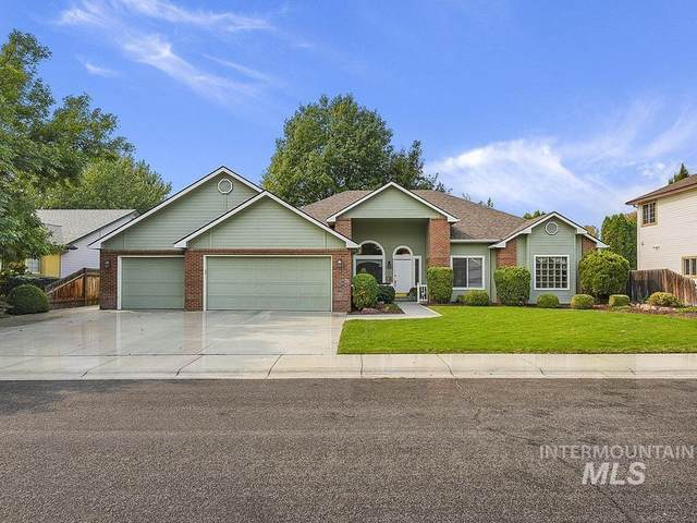 1133 N Torrey Pines, Eagle, ID 83616 (MLS #98781771) :: Minegar Gamble Premier Real Estate Services
