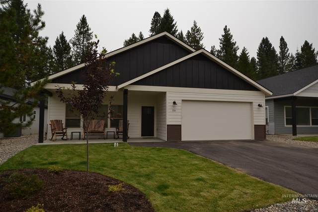 724 Deer Forest Drive, Mccall, ID 83638 (MLS #98781790) :: Juniper Realty Group
