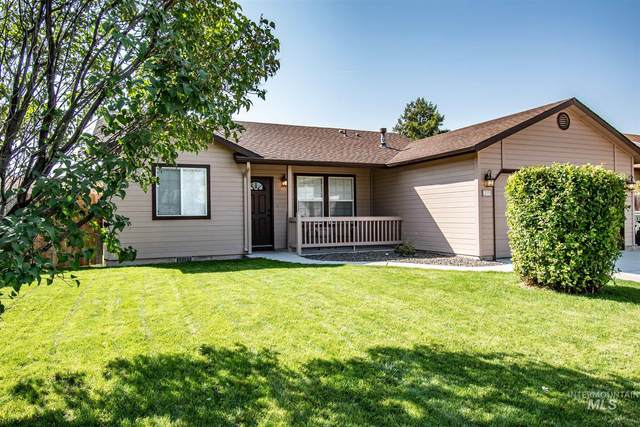 299 W Hesston, Kuna, ID 83634 (MLS #98781836) :: Epic Realty