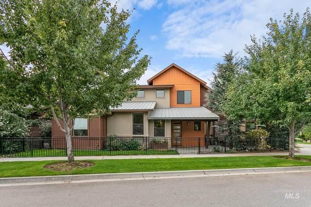 724 S Lone Brook Way, Eagle, ID 83616 (MLS #98782084) :: Michael Ryan Real Estate
