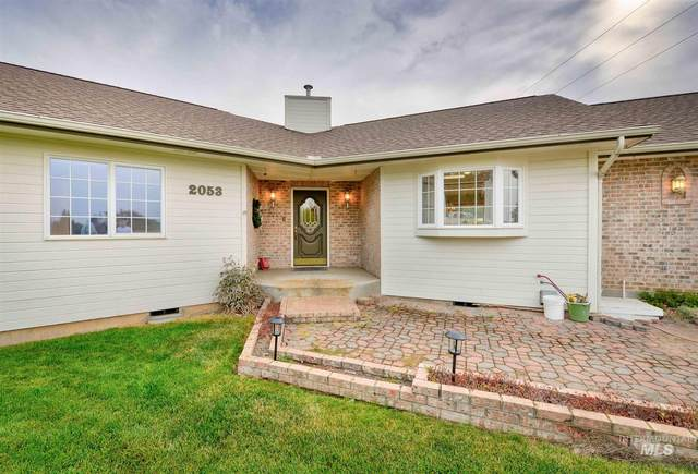 2053 Damen, Moscow, ID 83843 (MLS #98782162) :: Story Real Estate