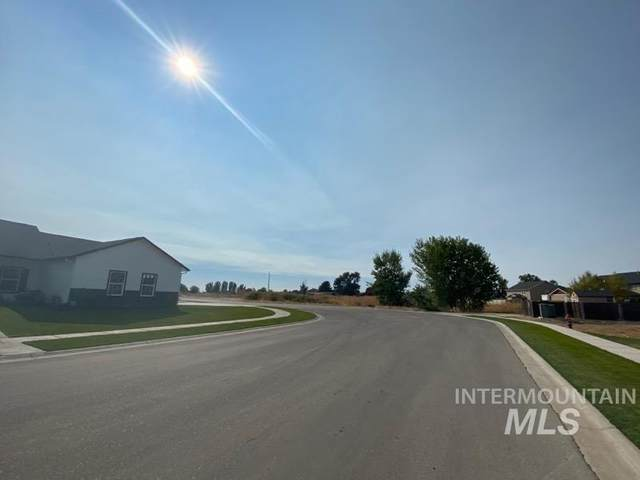 1917 Scotch Pine Dr, Middleton, ID 83644 (MLS #98782644) :: Story Real Estate