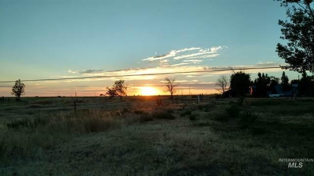 13229 N Faulkner, Mountain Home, ID 83647 (MLS #98783410) :: New View Team