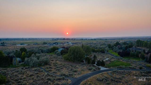 Meadow Ridge, Twin Falls, ID 83301 (MLS #98783657) :: Shannon Metcalf Realty