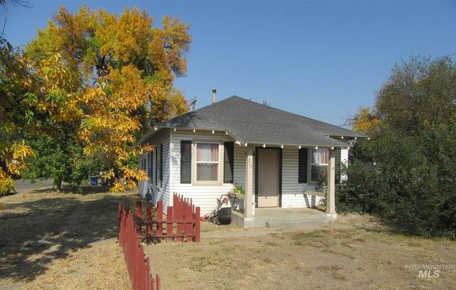 713 Blue Lakes Blvd., Twin Falls, ID 83301 (MLS #98783662) :: Full Sail Real Estate
