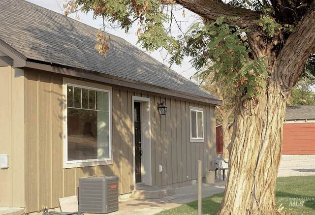 205 N Owyhee, Glenns Ferry, ID 83623 (MLS #98783782) :: Minegar Gamble Premier Real Estate Services
