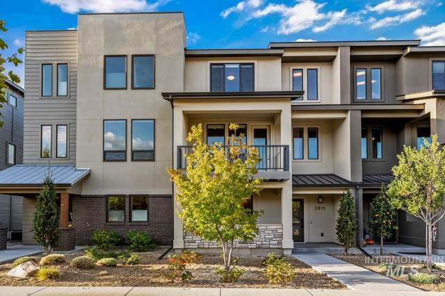 3811 E Parkcenter Blvd., Boise, ID 83716 (MLS #98784164) :: City of Trees Real Estate