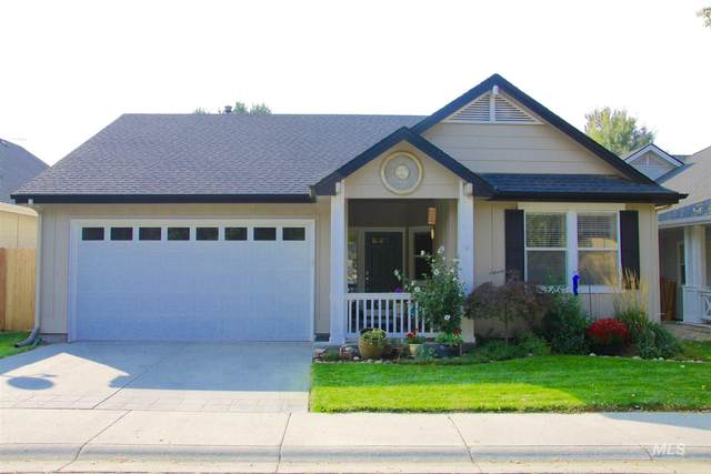 2887 E Pine Hollow, Eagle, ID 83616 (MLS #98784285) :: City of Trees Real Estate