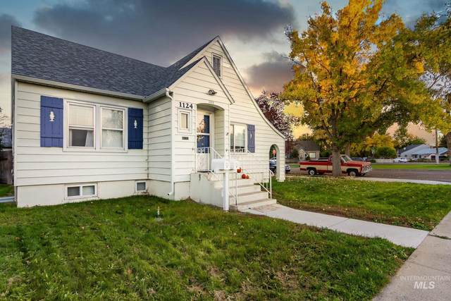 1124 S 14th Ave, Nampa, ID 83686 (MLS #98784362) :: New View Team