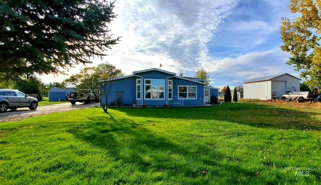 1954 W Idaho Blvd, Emmett, ID 83617 (MLS #98784508) :: City of Trees Real Estate