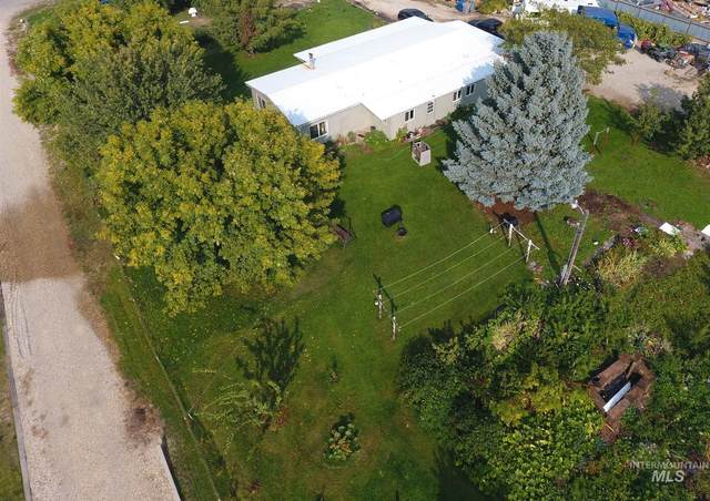 15057 Llama Ln, Caldwell, ID 83607 (MLS #98784635) :: Michael Ryan Real Estate