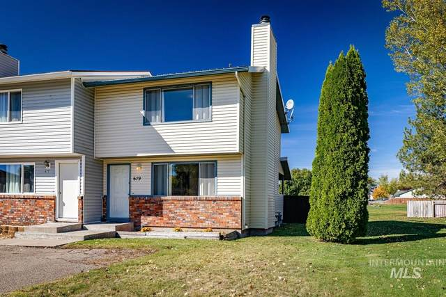 679 Brookside Court, Mountain Home, ID 83647 (MLS #98784700) :: New View Team