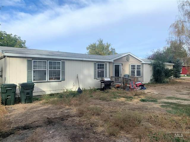 421 Loomis, Melba, ID 83641 (MLS #98784802) :: City of Trees Real Estate