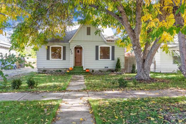 420 18th Avenue South, Nampa, ID 83651 (MLS #98784823) :: Michael Ryan Real Estate