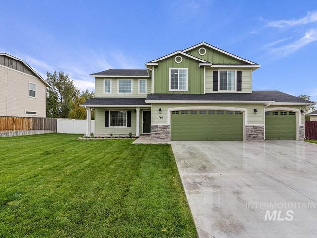 1740 SW Silverstone, Mountain Home, ID 83647 (MLS #98784936) :: Build Idaho