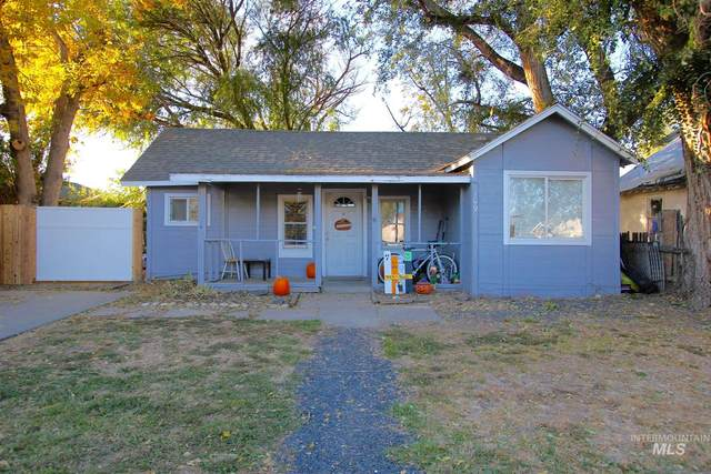 109 17th Ave N, Nampa, ID 83687 (MLS #98785022) :: Team One Group Real Estate