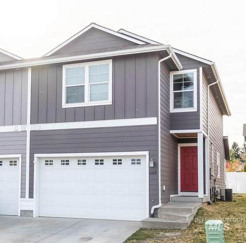 1009 Alturas Drive, Moscow, ID 83843 (MLS #98785191) :: Beasley Realty