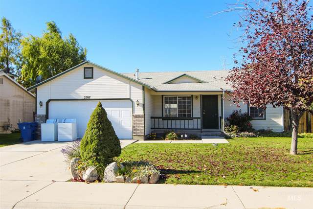2207 S. Stanford St., Nampa, ID 83686 (MLS #98785198) :: Team One Group Real Estate