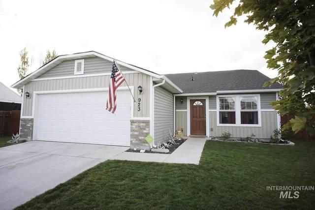 923 S Benewah Lake Ave, Middleton, ID 83644 (MLS #98785313) :: Bafundi Real Estate