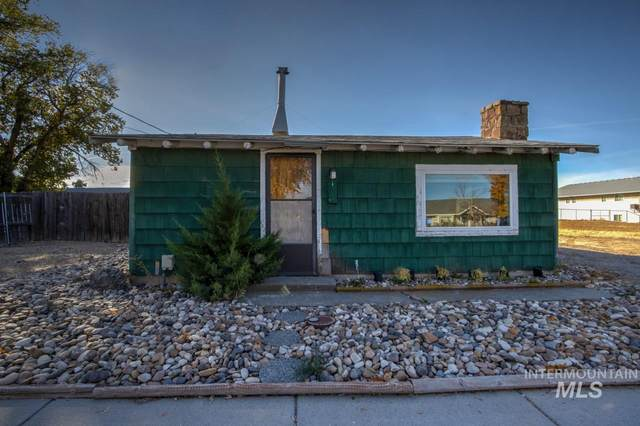 1340 NW 4TH AVE, Ontario, OR 97914 (MLS #98785327) :: Team One Group Real Estate