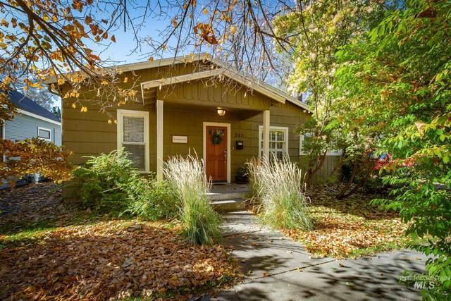 241 N Flume St, Boise, ID 83712 (MLS #98785446) :: Michael Ryan Real Estate