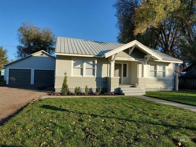 672 NW 2nd St., Ontario, OR 97914 (MLS #98785667) :: Team One Group Real Estate