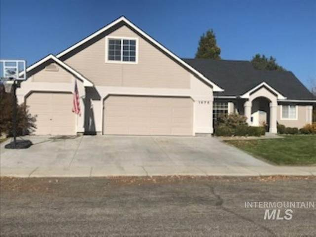 1676 E Bishop Way, Eagle, ID 83616 (MLS #98786392) :: City of Trees Real Estate