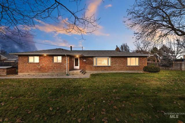 7820 W Preece Dr, Boise, ID 83704 (MLS #98786925) :: City of Trees Real Estate