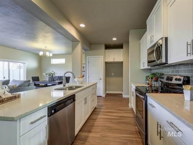 3105 N Summermoon Ave, Meridian, ID 83646 (MLS #98787882) :: Navigate Real Estate