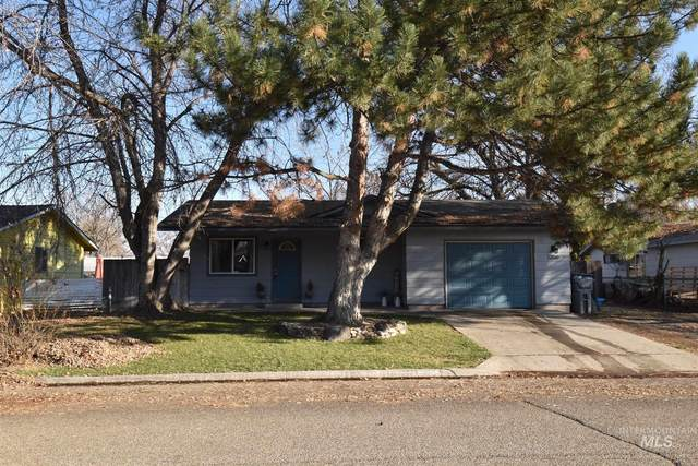 1206 N Plateau Ave, Caldwell, ID 83605 (MLS #98787911) :: Navigate Real Estate