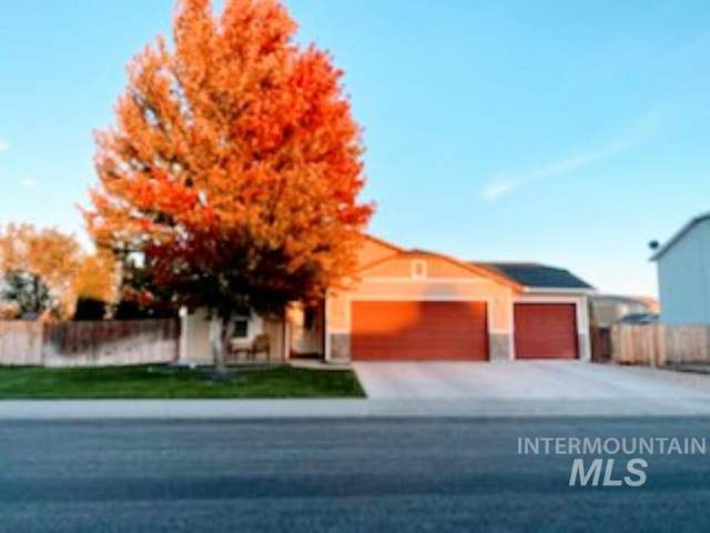900 SW Independence, Mountain Home, ID 83647 (MLS #98788030) :: Epic Realty