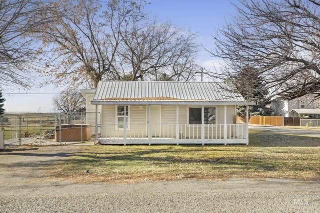 608 1st Street, Hansen, ID 83334 (MLS #98788106) :: Boise River Realty
