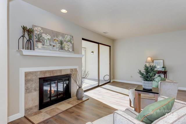 1102 N Camelot, Boise, ID 83704 (MLS #98788166) :: City of Trees Real Estate