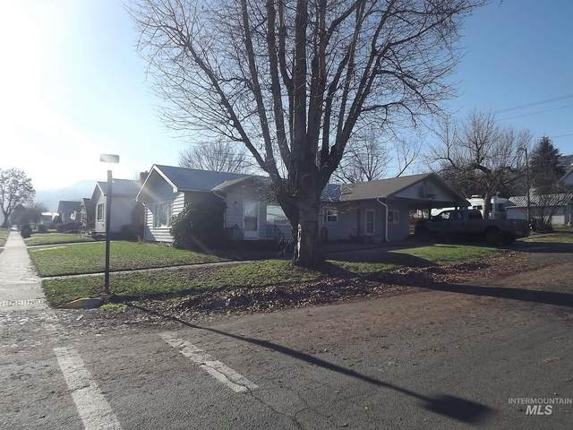 703 6th Street, Kamiah, ID 83536 (MLS #98788361) :: The Bean Team