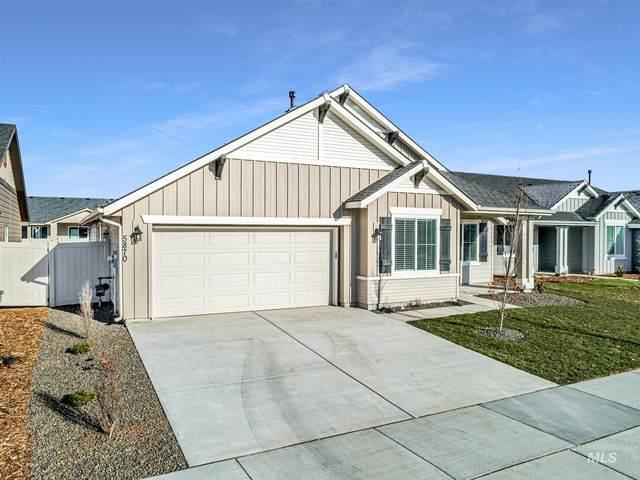 5870 W Daphne Dr, Meridian, ID 83646 (MLS #98788371) :: Build Idaho